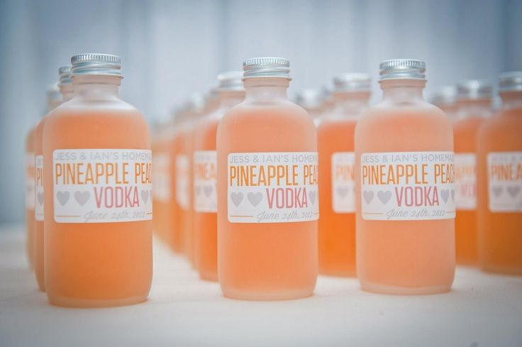 Pineapple peach vodka wedding favors // discovered via Julep