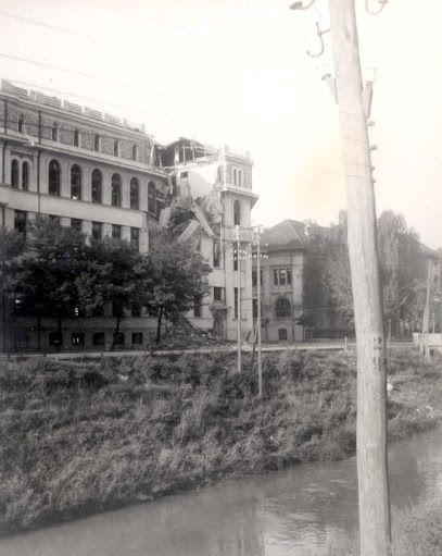Turist în București: Bombardarea Bucurestiului - 1944 - Ep. 1