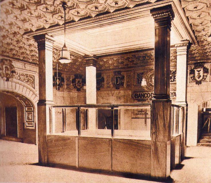 Salón de entrada y venta de billetes de la estación de la Puerta del Sol.1924.