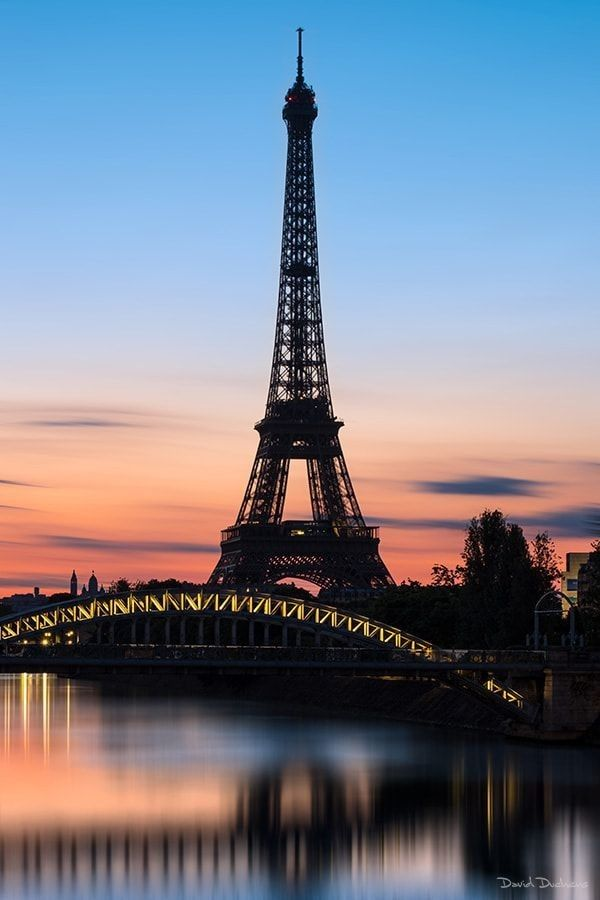 The Eiffel Tower At Sunset In 2019 Eiffel Tower