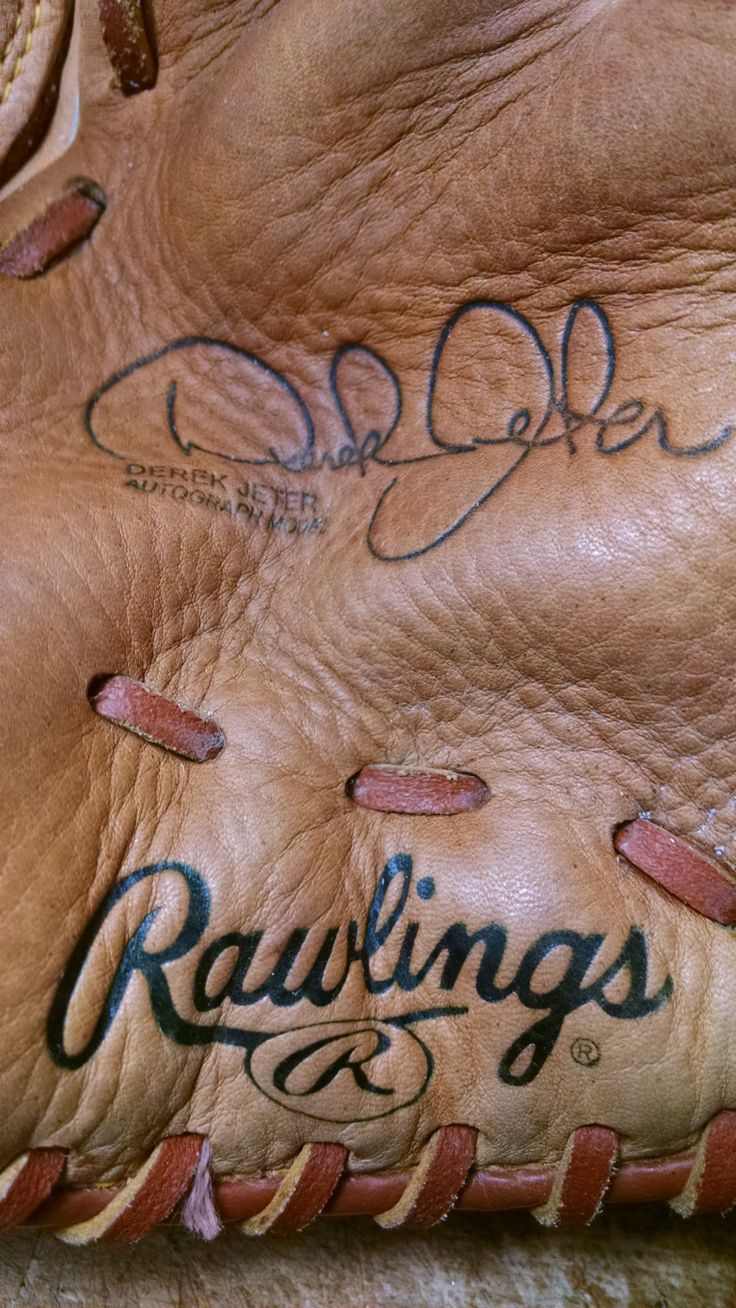 Signature Baseball Glove Wallet. Choose the style you like by Spearheaders on Etsy