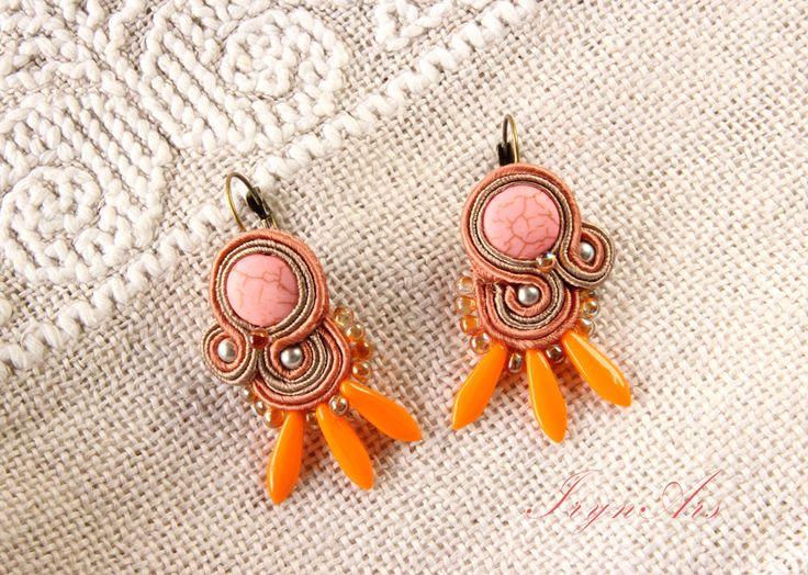 Orecchini in soutache Rose&Apricot: Aulite, Swarovski elements, glass beads di IrynArs su Etsy