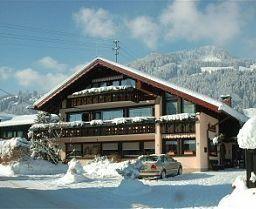 Silberdistel garni Ferienhotel (***)  GIOVANNI GENNARO ALDO CHAKKOUFI has just reviewed the hotel Silberdistel garni Ferienhotel in Bolsterlang - Germany #Hotel #Bolsterlang