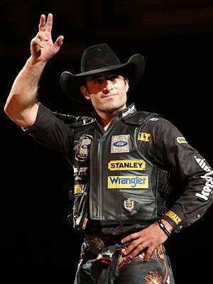 10 best images about alittle bit country on pinterest - Bull riding madison square garden ...