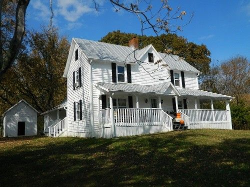 Knoxville Farmhouse Rental: 1920s Farmhouse On 5 Acres | HomeAway