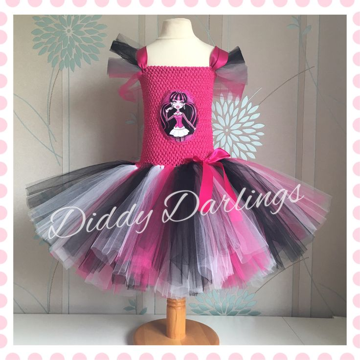Draculaura Tutu Dress. Monster High Tutu Dress. Beautiful & lovingly handmade.  All characters and colours available Price varies on size, starting from £25.  Please message us for more info.  Find us on Facebook www.facebook.com/DiddyDarlings1 or our website www.diddydarlings.co.uk