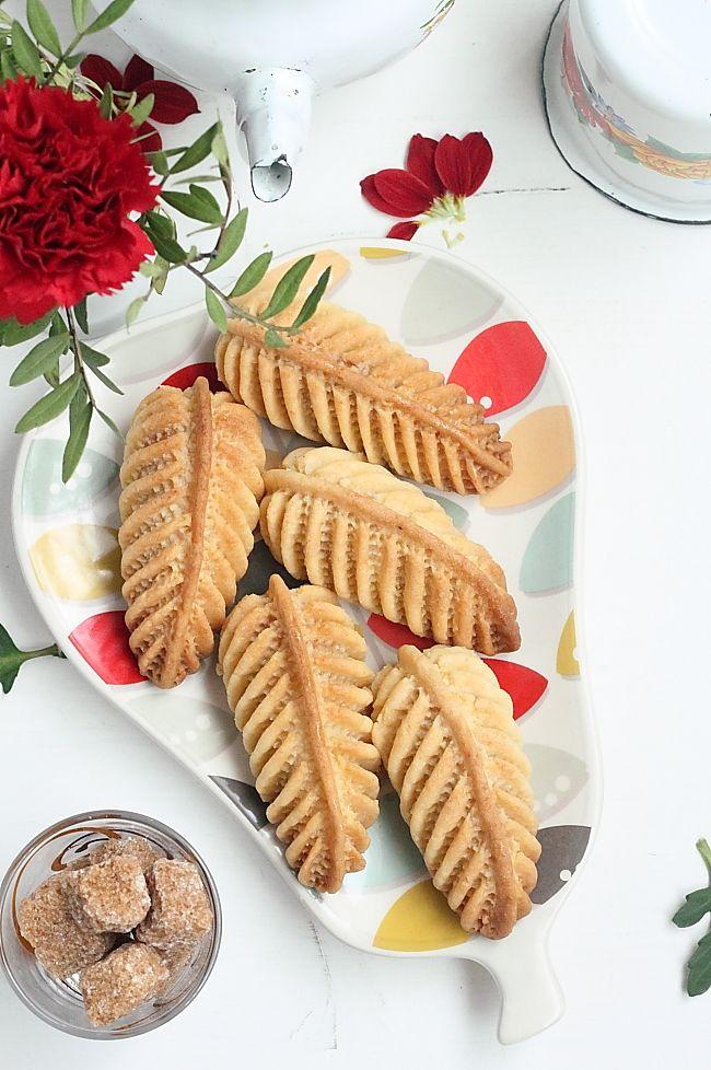 On reste avec les spécialités algériennes, pour le billet du jour, j'ai choisi pour vous de succulents petites gâteaux fourrés d'une farce...