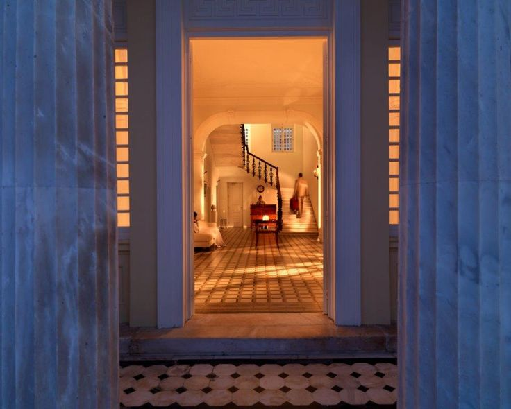Feel the #hospitality and experience a unique #holiday in #PoseidonionGrandHotel, the most historical and majestic country hotel in #Greece for nearly a century. #Spetses http://www.tresorhotels.com/en/hotels/62/poseidonion-grand-hotel#content