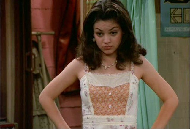 Mila Kunis as Jackie Burkhart: The youngest member of the group, Jackie starts the series as the pretty, rich, spoiled, selfish, conceited, and annoying immature girl. She likes to give thoughtless and superficial advice, which occasionally turns out to be correct. As the series progresses, she moves away from her self-centered ways and becomes sweeter. http://www.youtube.com/watch?v=9rR922UcjTs