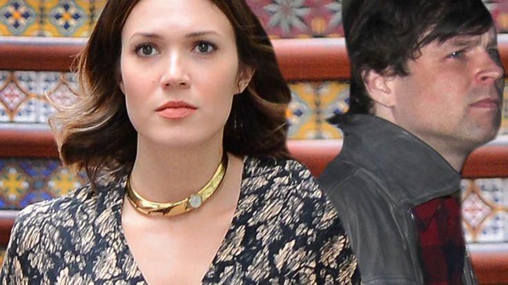 Ryan Adams Performs As Mandy Moore Files For Divorce   Radar Online
