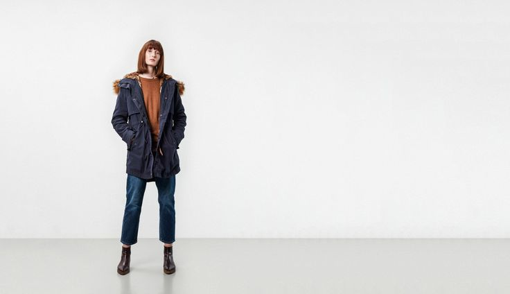 KHAKI / NAVY  Zip out faux fur trim and body Yoke front and back for an extra layer of protection from the wind PARKA scoop side hem, a feminine twist on the traditional parka Dry waxed cotton-nylon blend Gunmetal hardware Waist adjusters to tailor your look  Shell: 74% Cotton 26% Nylon Padding: 100% PolyesterLight Steam IronDo Not Wash Or Steam Iron Fur FabricFading with wear is a characteristic of this the fabric to give a worn vintage effect  HOUNDSTOOTH  Zip out faux fur trim and b...