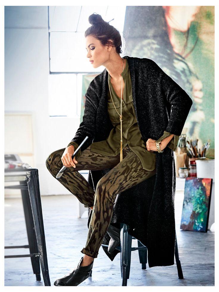 Manteau en tricot Chemisier en satin Lunettes de soleil femme style  wayfarer, verre polarisé Collier sautoir en métal doré pour femme, aspect  noué Tennis