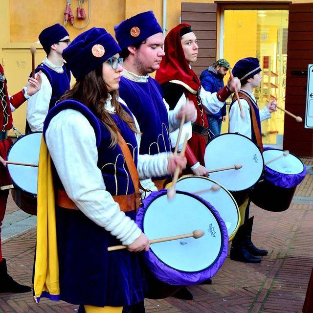 @patpat_47 Carnevale rinascimentale Ferrara. Tamburi e...tamburini..