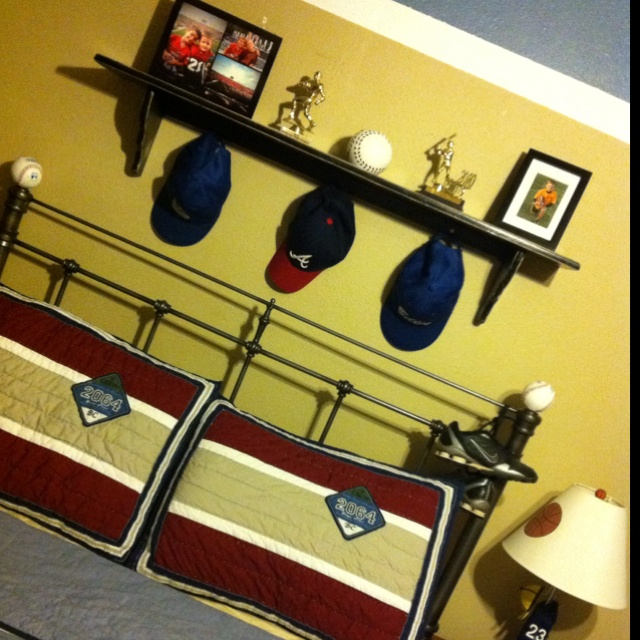 17 Best Ideas About Sports Themed Bedrooms On Pinterest