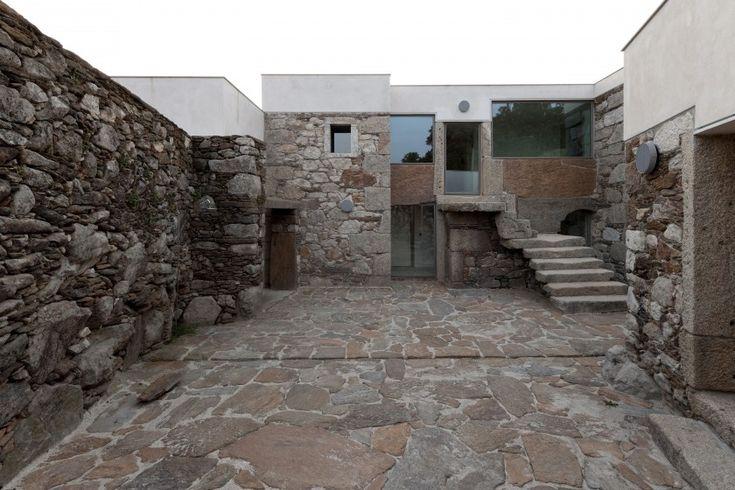 nuno brandão costa transformation of a house  arga de cima, caminha,  portugal