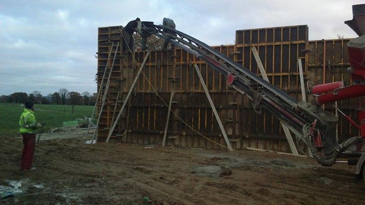 For those hard to reach places Concrete Conveyor Hire - Ready Mix Concrete and Easy flow concrete Suppliers, Precast Concrete - Doyle Concrete  http://www.doyleconcrete.ie/work/detail/hard-reach-places-concrete-conveyor-hire/