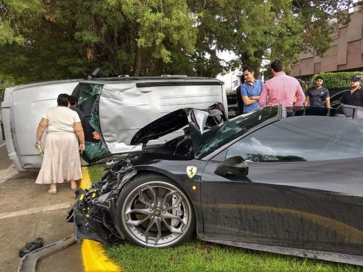 Ferrari choca con camioneta en Zapopan - Plano informativo