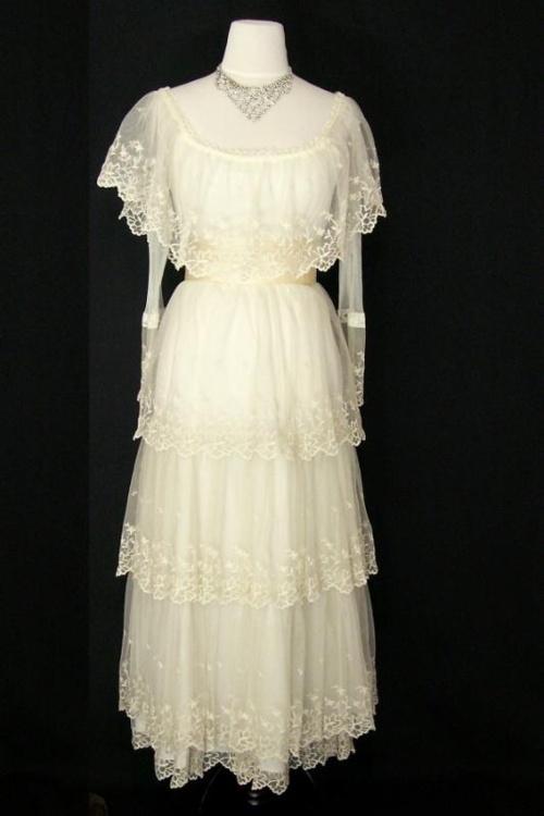 88 best images about Victorian Dresses on Pinterest
