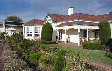 Looking for accommodation in Killarney in Great Ocean Road ? Killara Bed & Breakfast, #Bed #Killarney www.OzeHols.com.au/52