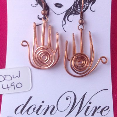doinWire handcrafted copper wire Earrings, hand with swirl. DOW490