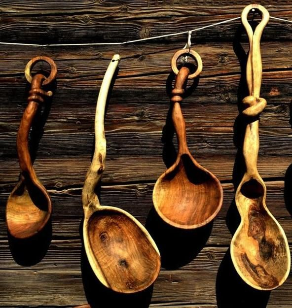 Wood crafts made with cheap wooden spoons can spice up outdoor home decorating and add unique accents to modern interiors. Your boring old utensils can be turned into something a little more flare, bringing interest into outdoor rooms and offering great wood crafts for kids and adults.    Wood craft