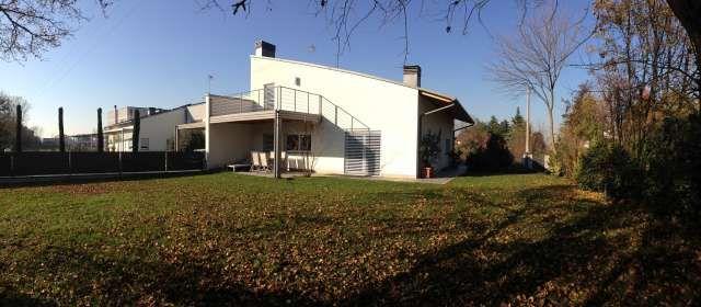 case-affari vende villa a Zelarino - La Villa è nuova: anno di costruzione 2011. Parzialmente arredata.