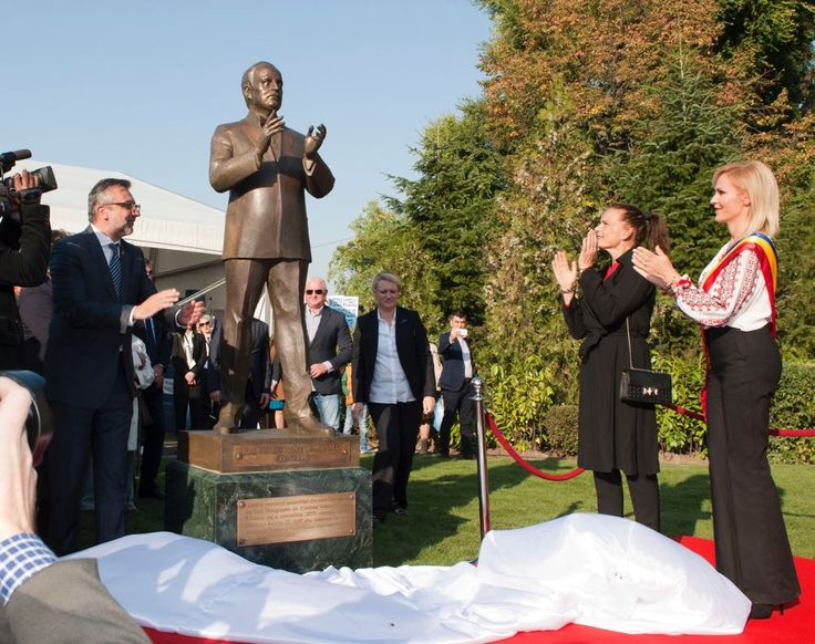 Princess Stéphanie of Monaco, arrived in Bucharest, invited by the Bucharest City Hall to take part in the unveiling of the statue of the Prince Ranier III of Monaco. At the ceremony of unveiling t…