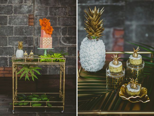 J'adore cette idée, simple, originale et colorée d'insérer dans la décoration de mariage de jolis ananas!