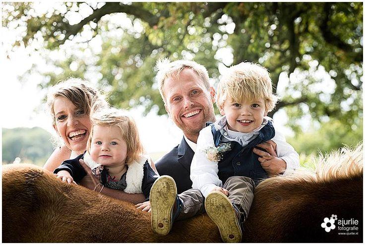 #wedding #horse #children #bruiloft #boerderijbruiloft #bruiloft bij de #paarden #landelijkebruiloft #bruidsfotografie #zuidlimburg #bohemianwedding