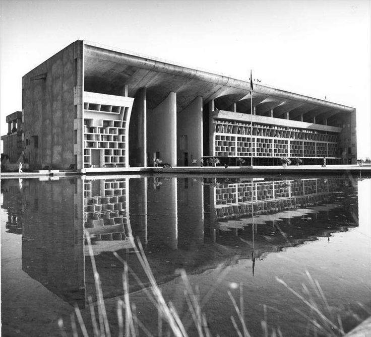 Le Corbusier, Indien und die Schweiz. Postkoloniale Verwicklungen der Geschichte   barfi.ch