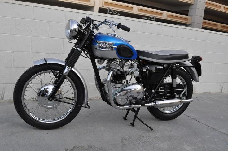1965 Triumph Bonneville - MidAmerica Auctions LAS13