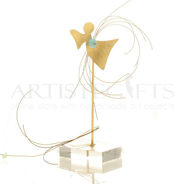 Άγγελος, Πέταλο Με Ημιπολύτιμους Λίθους Σε Βάση. Αποκτήστε τον δικό σας Online http://www.artistegifts.com/aggelos-petalo-imipolitimoous-lithous-vasi.html
