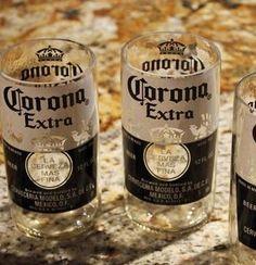 Cómo hacer vasos con botellas de cerveza Corona