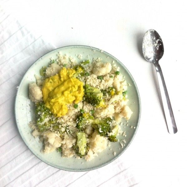 Bloemkoolrijst met broccoli, cashewnoten en kokos-kerriesaus - Feelgoodbyfood