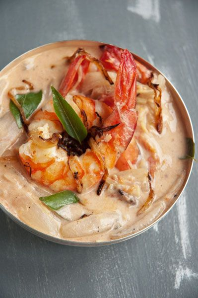 Curry Shrimp with Coconut Milk {Curry de Crevettes au Lait de Coco (Chemmeen Molee)