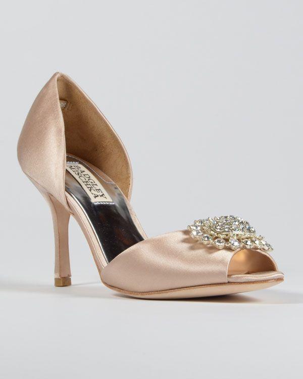 Zachtroze schoenen (Badgely Mischka) Pinterested @ wedspiration.com.
