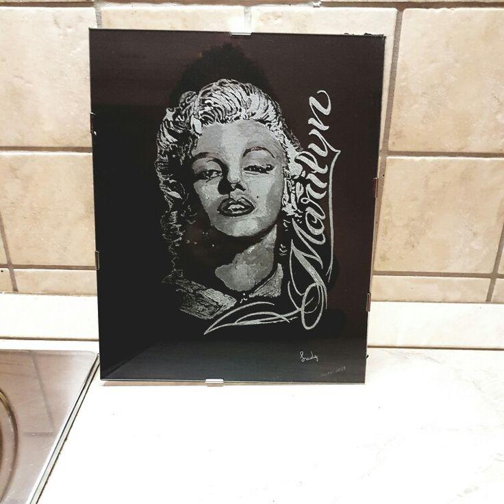 Marilyn incisione su vetro Realizzato a mano da Lucia Di Giacinto