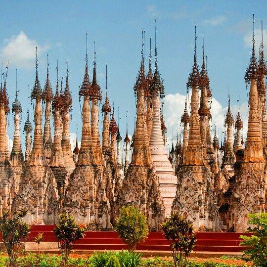 Kakku pagoda, Inle, Myanmar  #kakku #pagoda #temple #inlelake #myanmar #burma #monks #peaceful #landscape #towers #asia #asian #buddhism #travel #igtravel #instatravel #travelgram #shan #burman #bagan #yangon #traveling