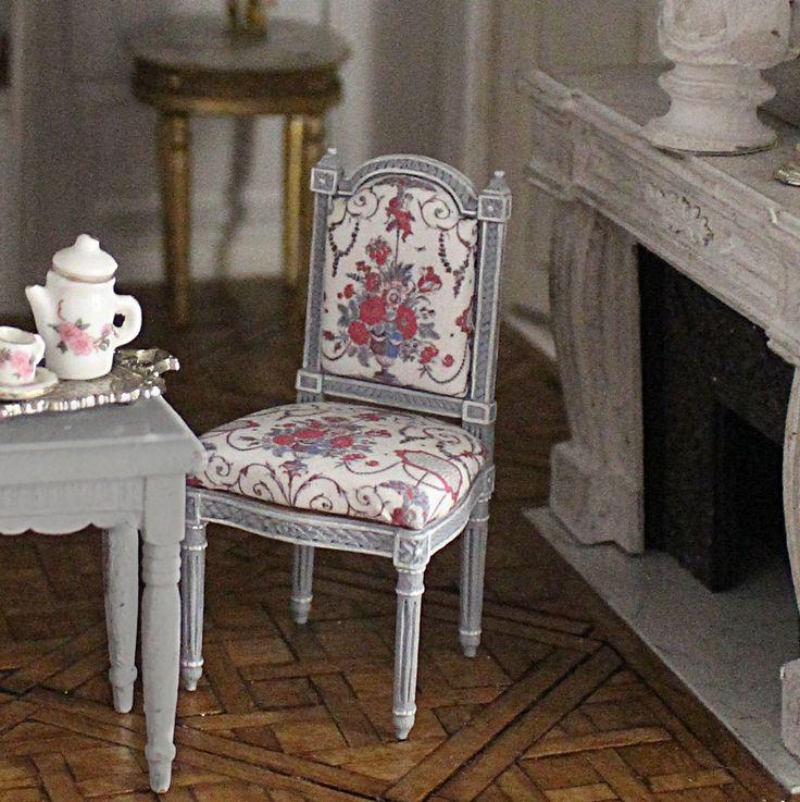 Le Salon Doré est un Blog où je présente mes meubles miniatures au 1/12ème - This Blog is about miniatures furnitures and dollhouses