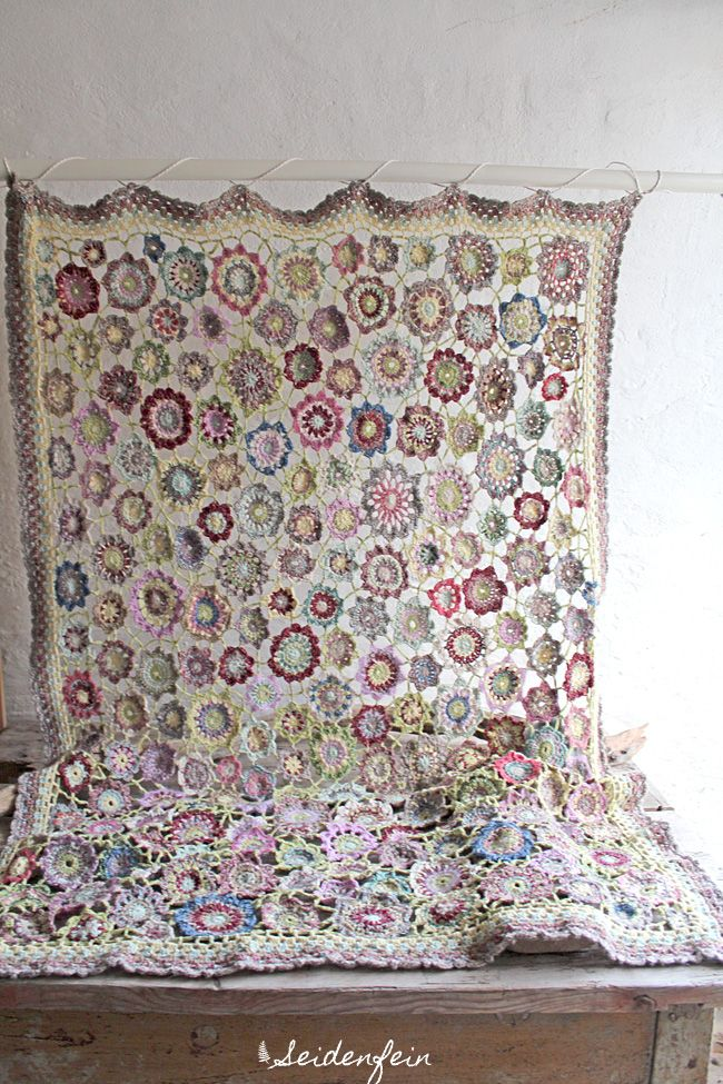 seidenfeins Blog vom schönen Landleben: ✿ Die Winterblumen - Häkeldecke * DIY * ✿ the winter flower crochet blanket !