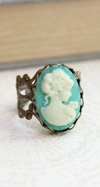Silhouette Cameo Ring Aqua Ivory Cream Cameo Lady