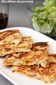 Les quesadillas  sont d'origine mexicaine, réalisées à base de tortilla   et de de fromage fondant, cuites sur une plaque chauffante ...