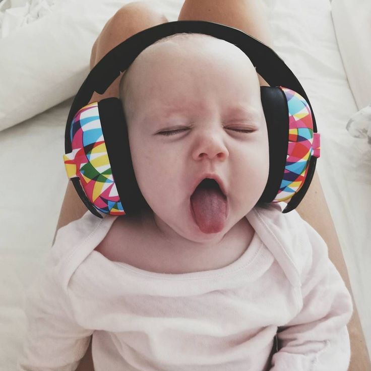 Mini Muffs in Geo - how cute is this little one! (  @homebiird via @latermedia )