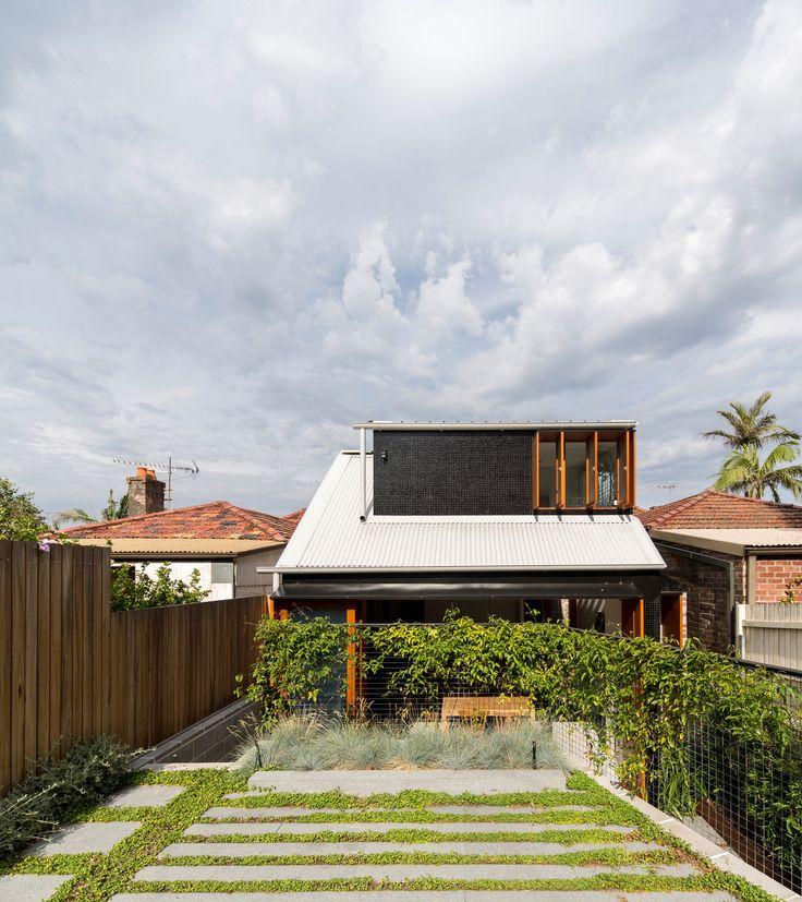 Down Size Up Size House  / Carterwilliamson Architects