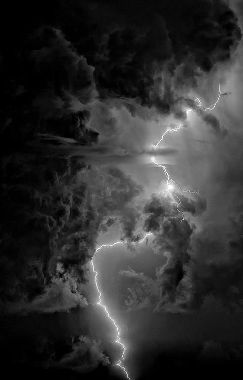 Lightning bolt in black clouds | Sierra Vista, Arizona 15 August 2010 | Steve Maguire, Eye of the Storm Photography