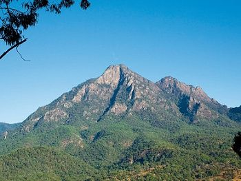 Mount Barney, Scenic Rim. (photo courtesy Tourism Queensland)