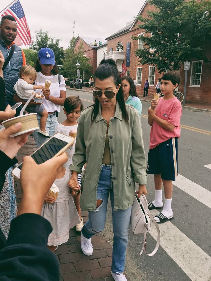 one of dash dolls | alldasheverything:   Fan photos of Kourtney & the...