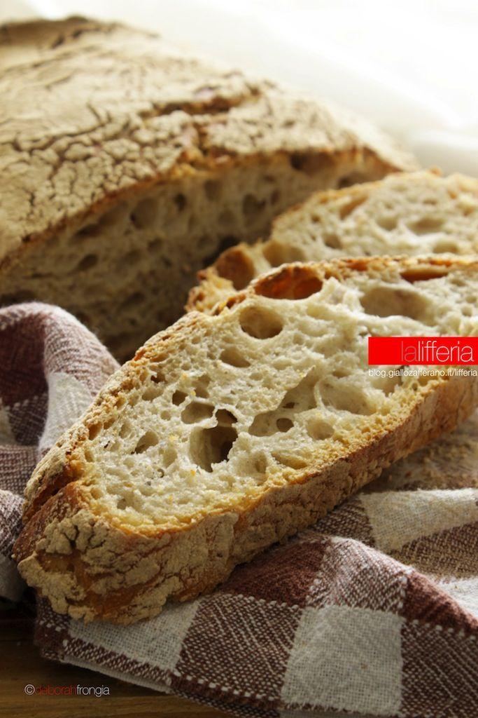 Pane con farina di segale senza impasto
