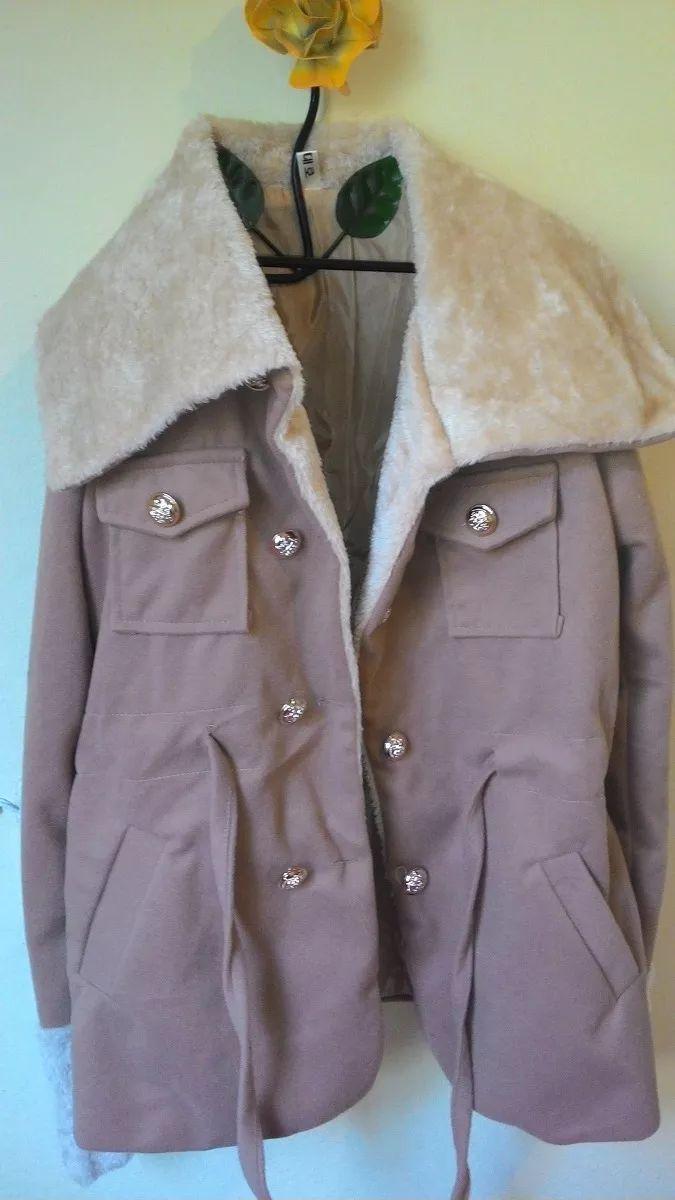 casaco bege lapela em pelúcia e botões transpassados promo
