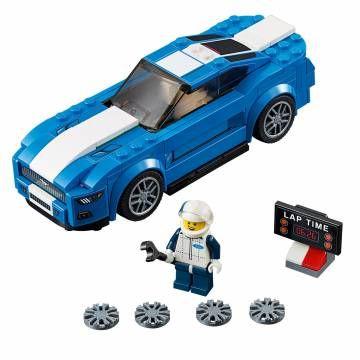 Lego Speed Champions 75871. Maak deze oersterke LEGO® Speed Champions Ford Mustang GT gereed voor de woestijnrace. Kies de velgen, stel het rondetijdbord in en scheur ervandoor. Werp al je rijvaardigheid in de strijd en haal het uiterste uit de grote motor!